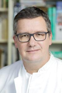 Dr. Hübner