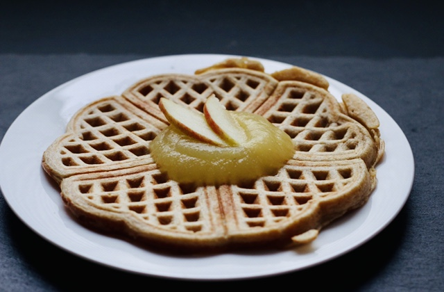 Dinkel-Apfelmus-Waffel