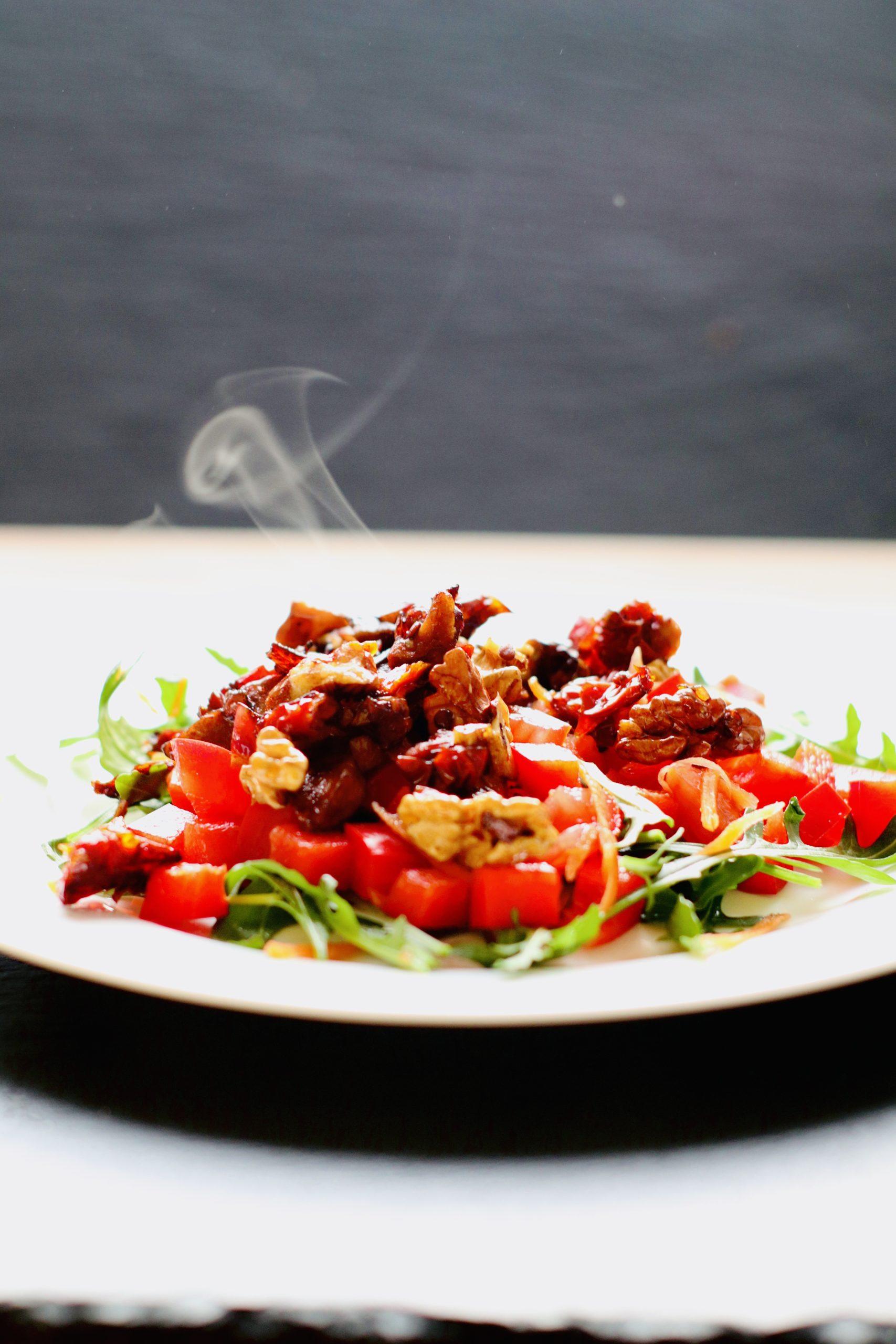 Salat mit warmen Dressing